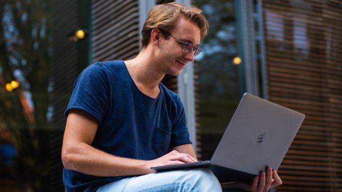 men, laptop, cam, chat